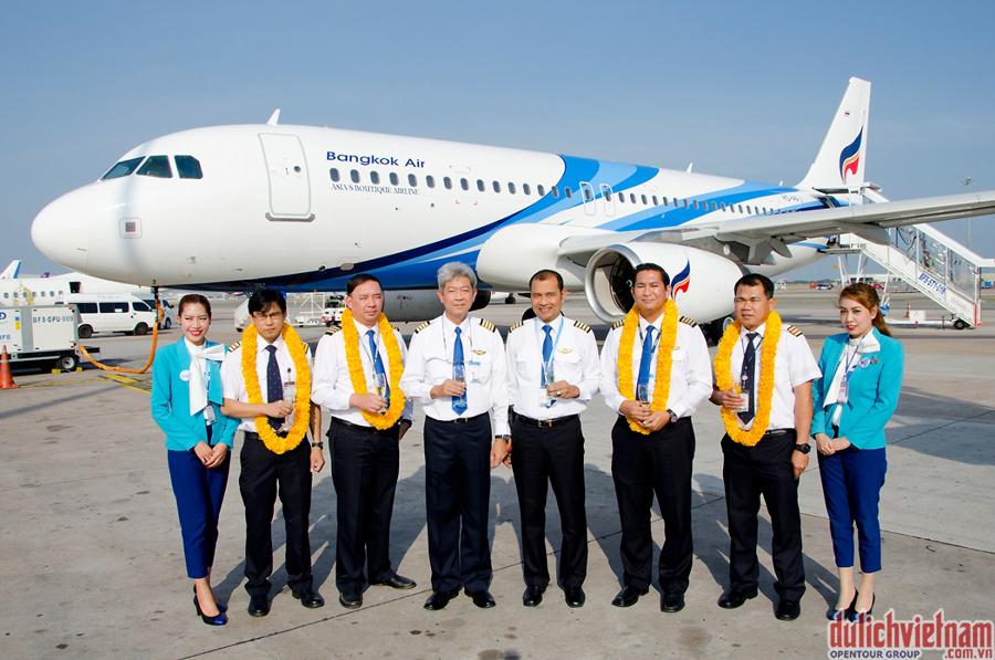 Đội ngũ phi công và tiếp viên chuyên nghiệp luôn đem lại cho du khách những chuyến đi ưng ý nhất