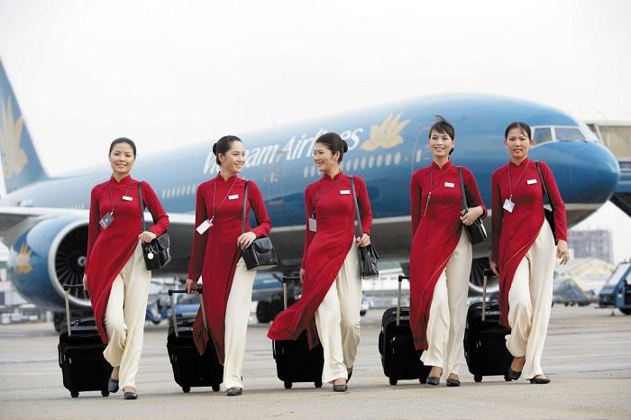 Vietnam Airlines có đội ngũ tiếp viên hàng không trẻ trung, chuyên nghiệp cùng quý khách vượt qua mọi bầu trời