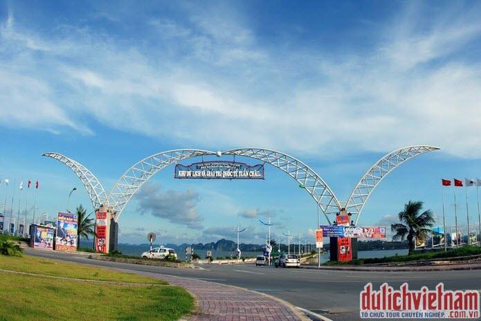Cổng vào khu du lịch quốc tế Tuần Châu