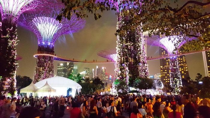 Gardens by the Bay - chương trình hòa âm và ánh sáng tại khu vườn