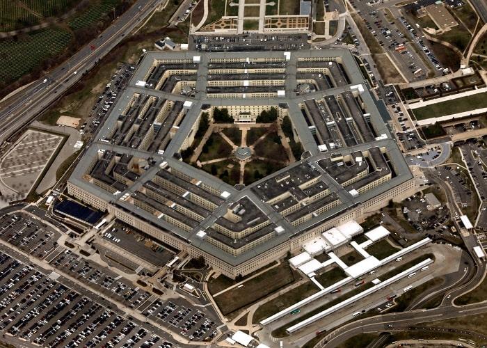 Lầu Năm Góc là trụ sở của Bộ Quốc Phòng, cơ quan quân sự cao nhất của Mỹ