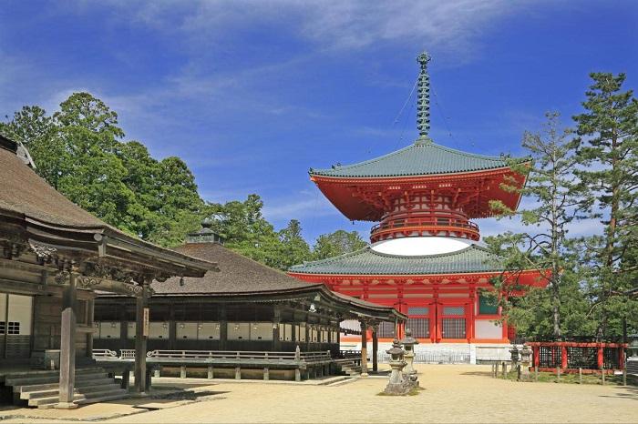 Ngôi đền trên núi Koya