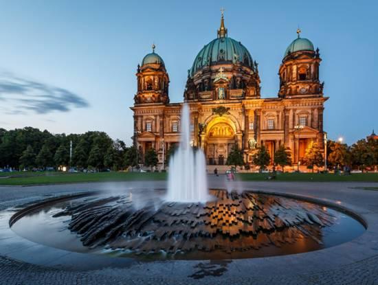 Kết quả hình ảnh cho Nhà thờ Berlin,