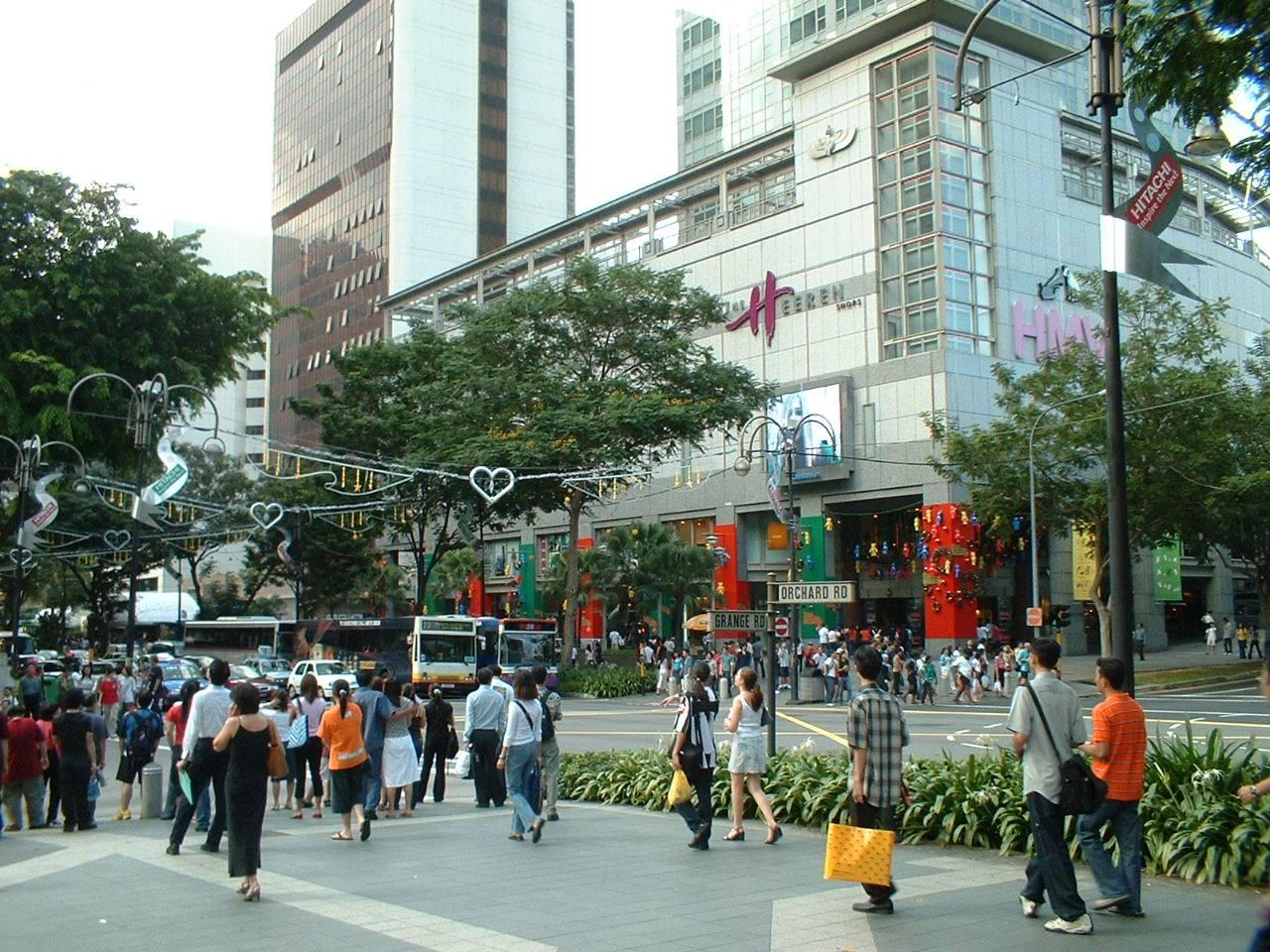 Thỏa thích mua sắm tại các trung tâm mua sắm lớn