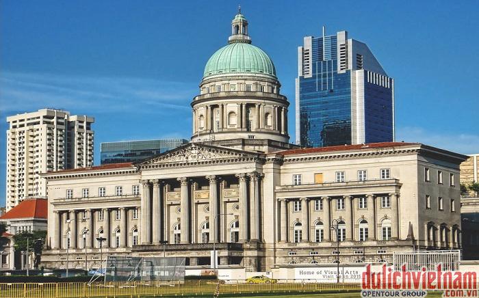Tòa thị chính - Thủ tướng Lý Quang Diệu đã tuyên bố quyền tự trị độc lập và tuyên thệ tại City Hall vào ngày 9 tháng 8 năm 1965.