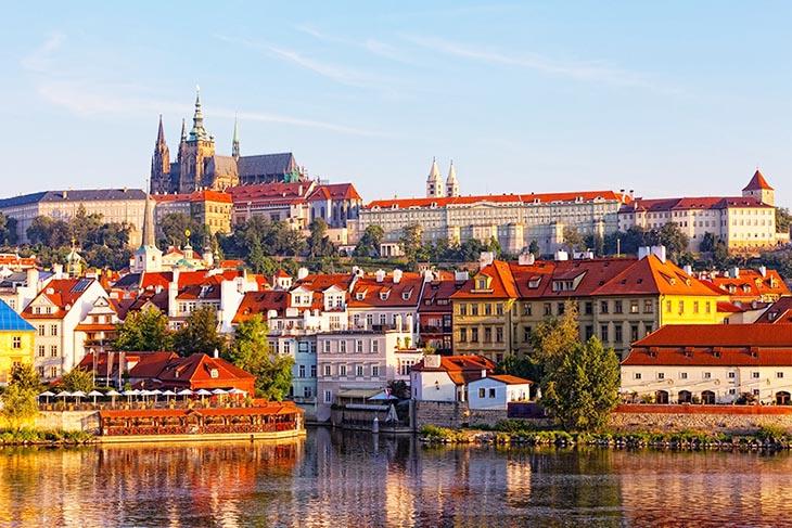 Du Lịch Đông Âu: Hà Nội - Ý - Slovenia - Hungary - Áo - Séc 10 Ngày