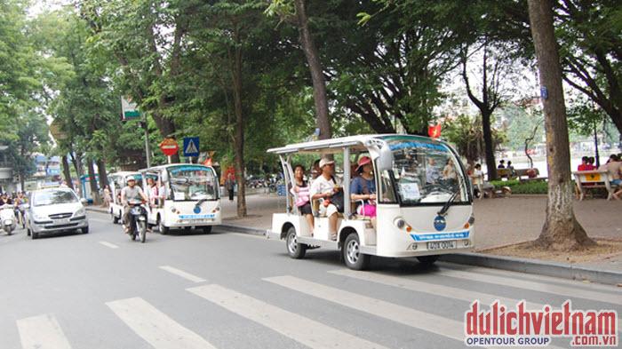 Xe điện chở khách đi du lịch